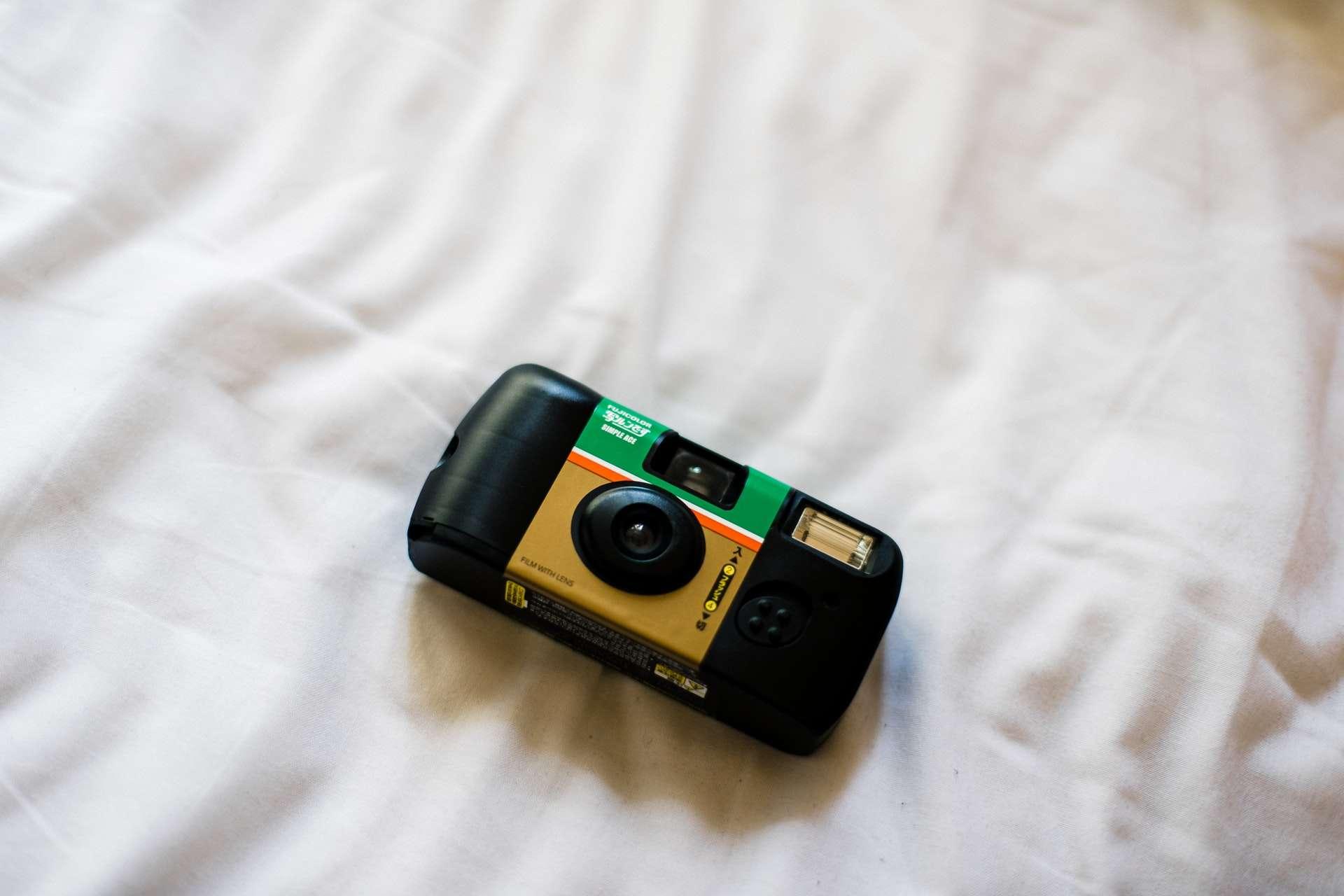 Disposable camera main