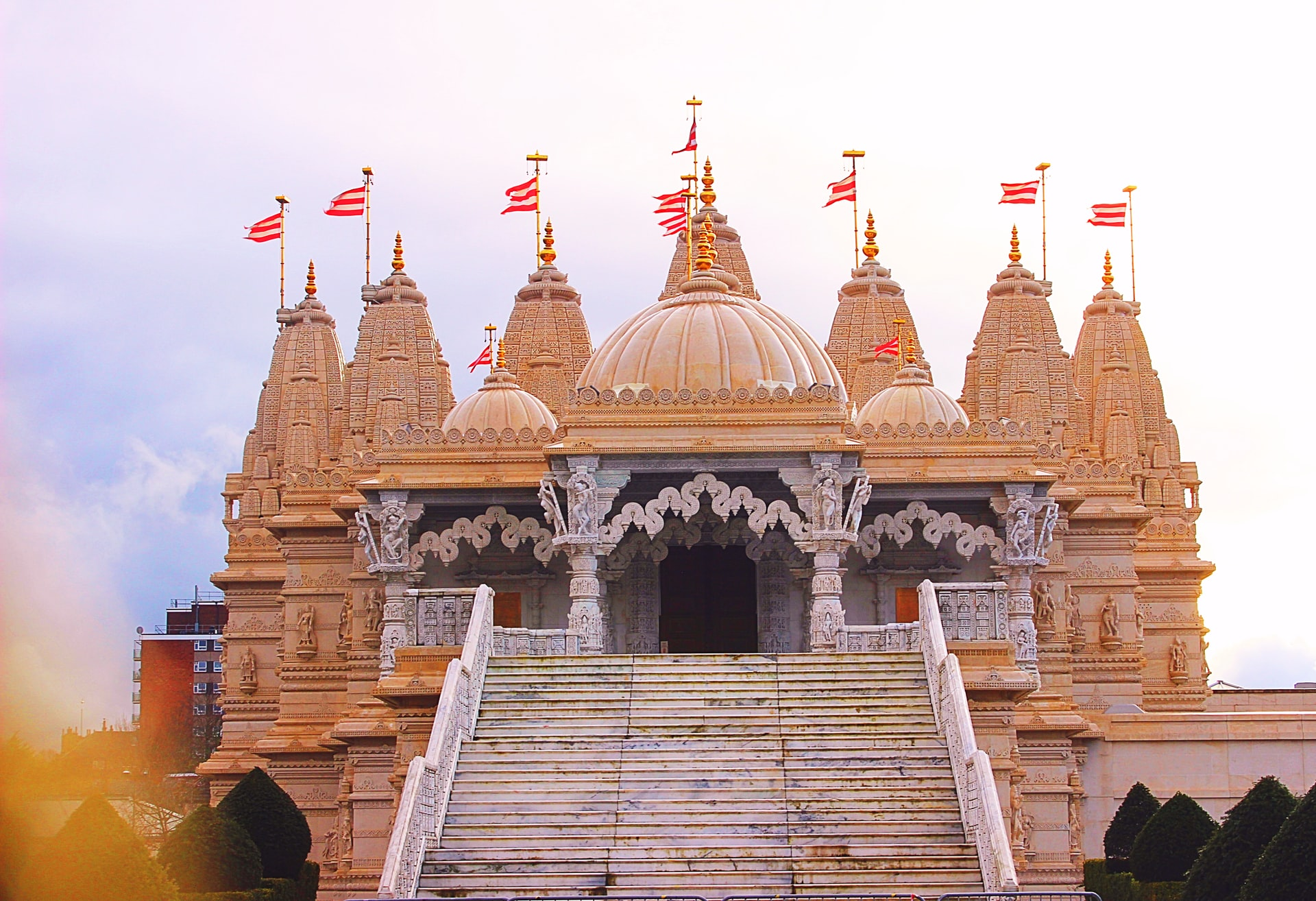 Temple main